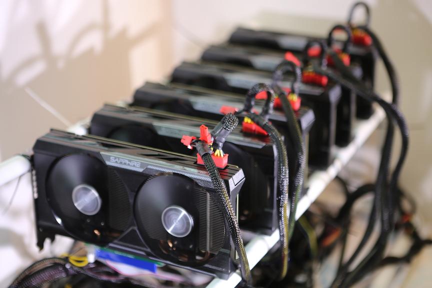 galingiausias bitcoin miner