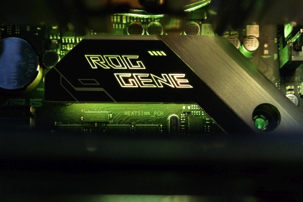 """""""Asus ROG Maximus XI Gene"""": tobuli genai siekiantiems rekordinio DRAM dažnio"""